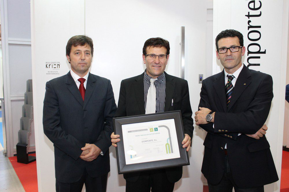 Domporte-entrega-Premio-Innovacion-Maderalia