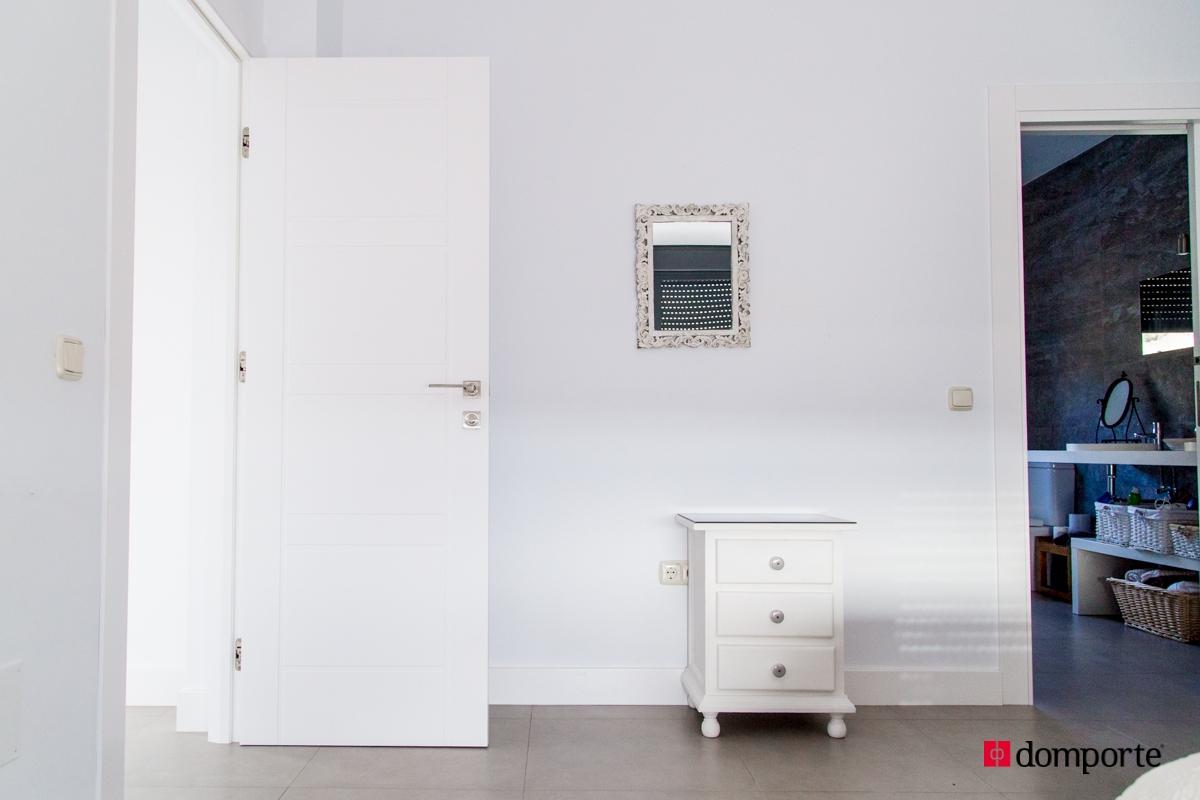 Puertas de paso lacadas gallery of puertas interior mdf for Puertas paso blancas